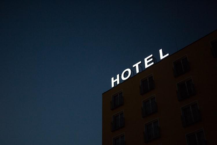 معرفی بهترین آموزشگاه هتلداری مشهد