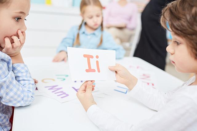 آموزش زبان دوم به کودک