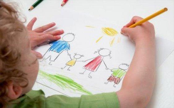 نقاشی و خلاقیت (2 تا 5 سال)